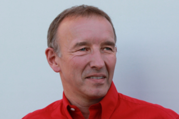 Tony Robert